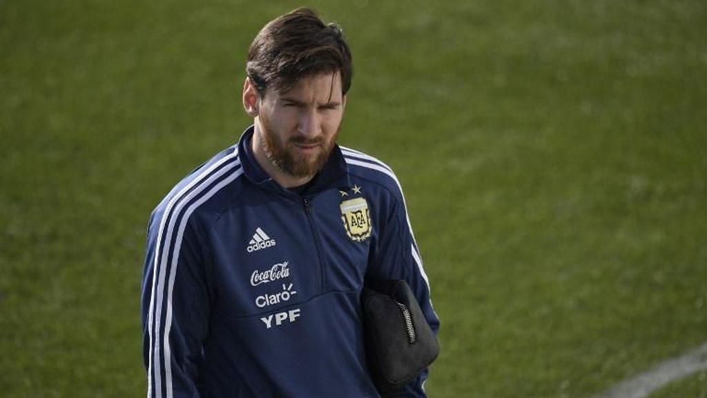 Sampaoli: Tidak Mungkin Mengajarkan Sesuatu Kepada Messi