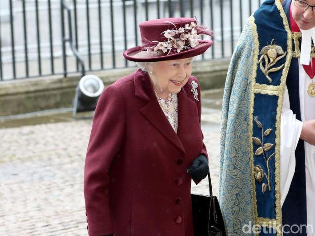 Begini Kegiatan Ratu Elizabeth II Setelah Royal Wedding