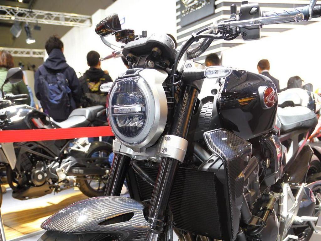 Honda CB1000R Berbalut Karbon