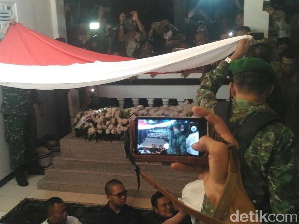 Ratusan Pelayat Hadiri Pemakaman Probosutedjo di Kemusuk