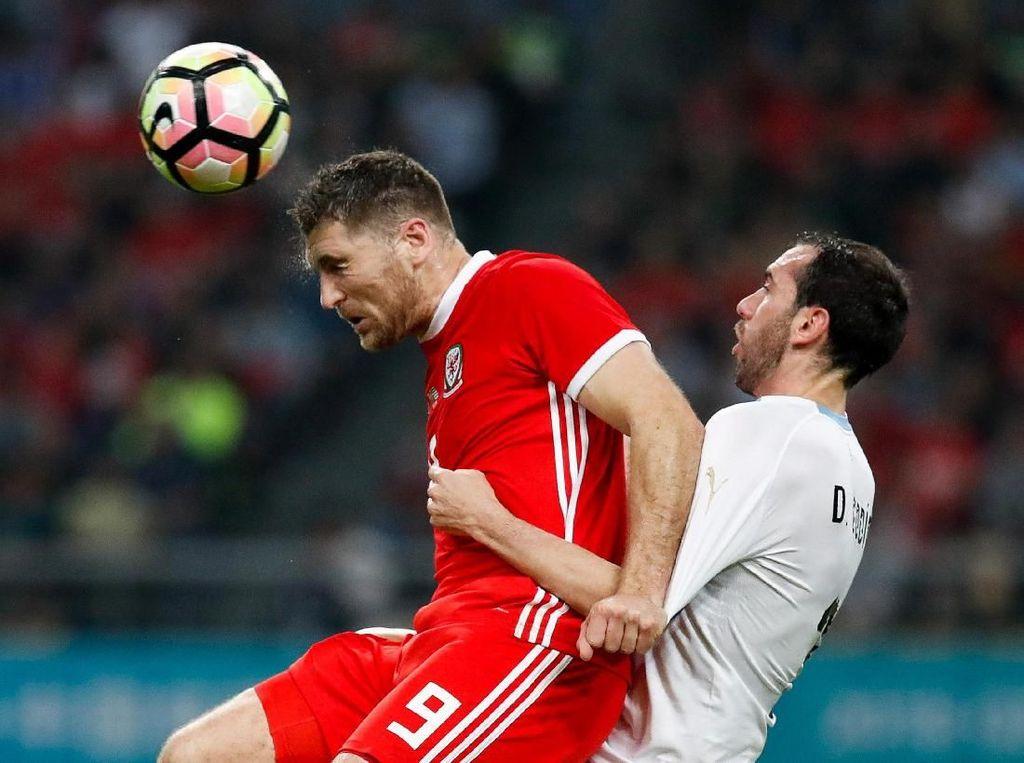 Uruguay Taklukkan Wales 1-0