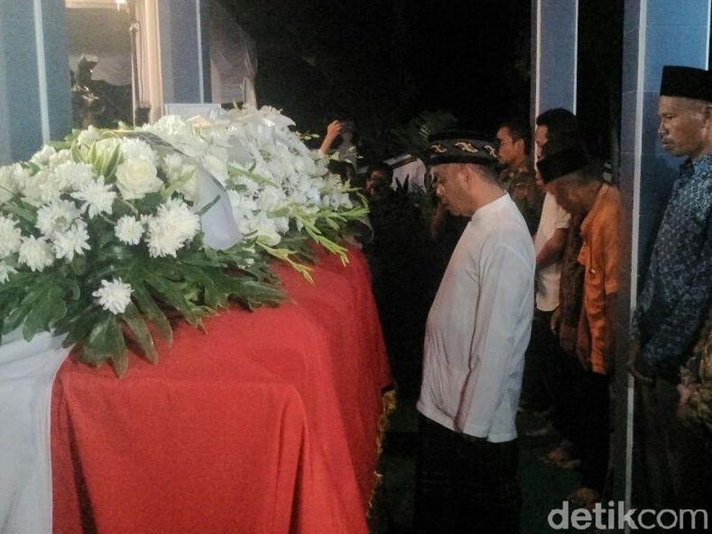 Jenazah Probosutedjo Tiba di Pemakaman Kemusuk Bantul