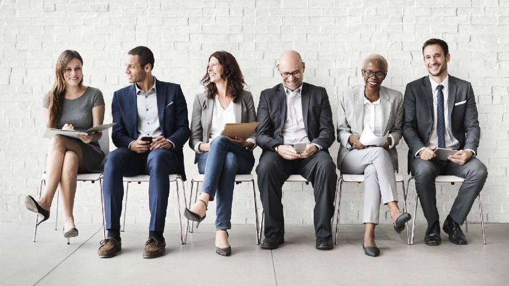 6 Makna Terselubung dari Posisi Duduk Lawan Bicara