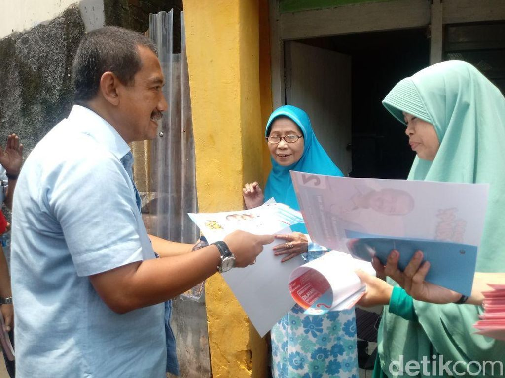 Blusukan Tiap Hari di Bandung, Aries: Saya Miris dan Sedih