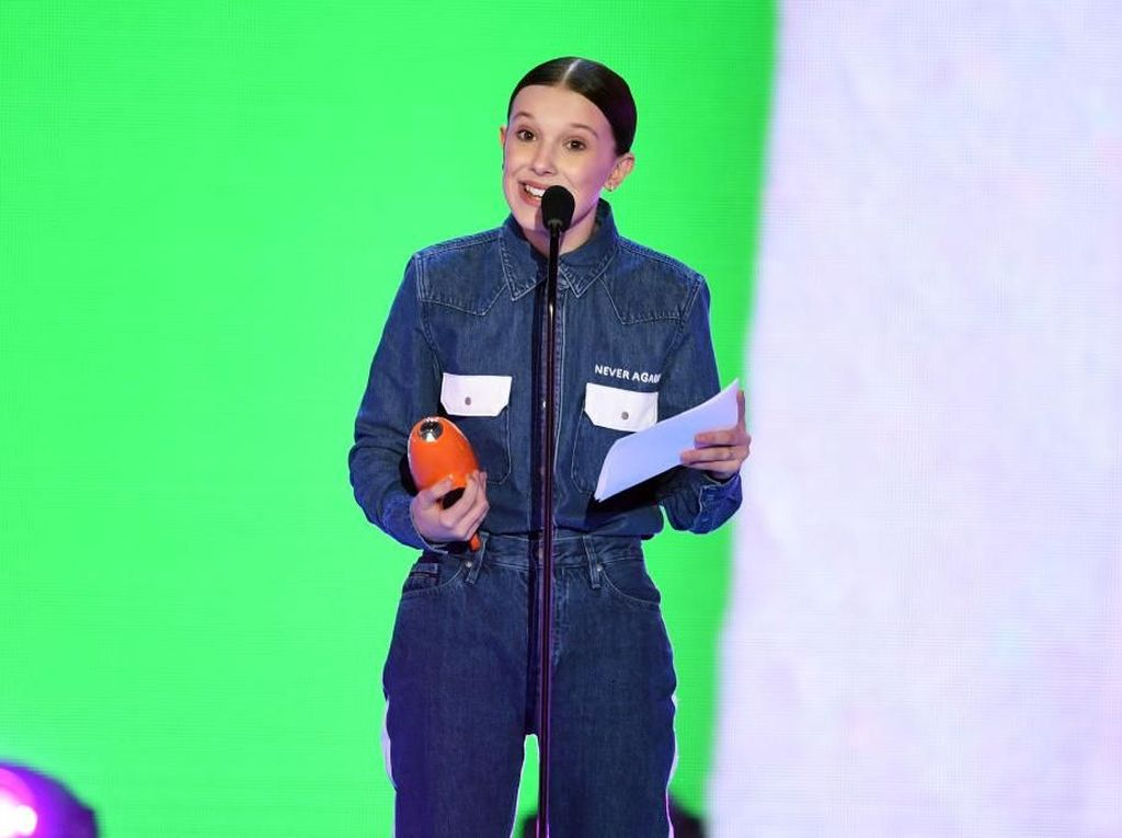 Pesan Mendalam di Balik Gaya Millie Bobby Brown di Kids Choice Awards