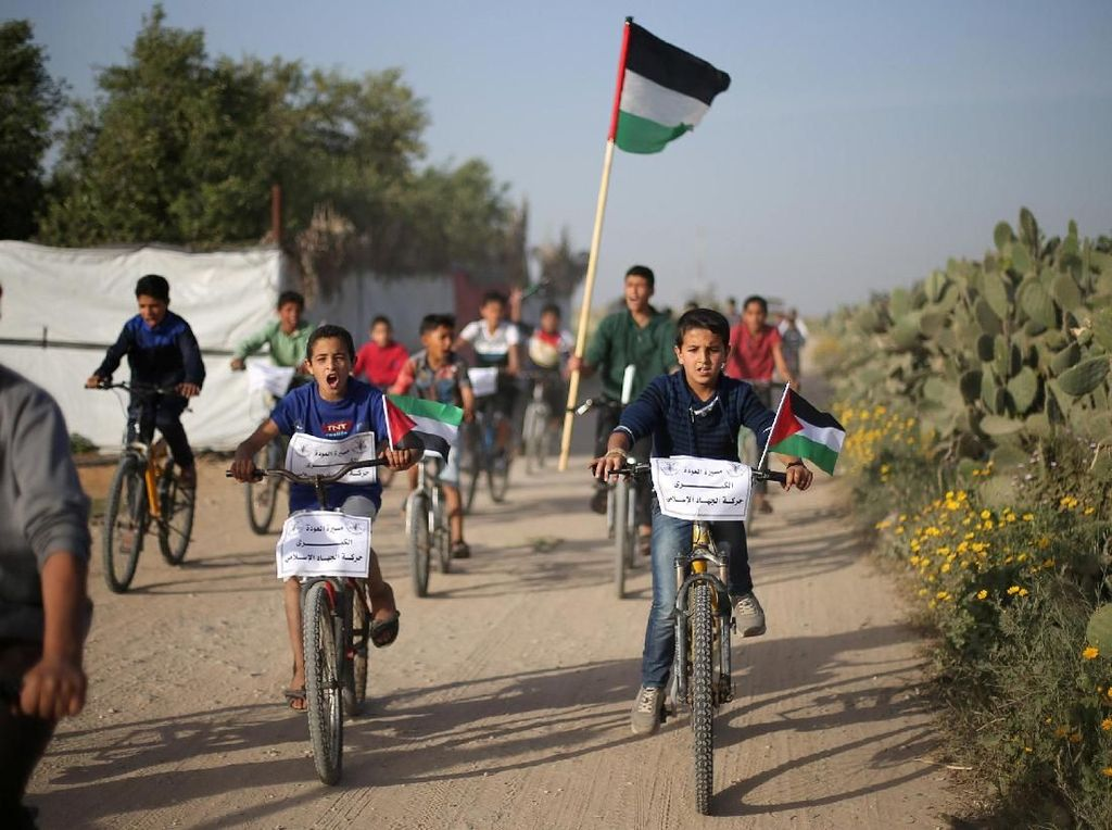 Saat Warga Palestina Ramai-ramai Naik Sepeda ke Perbatasan Israel
