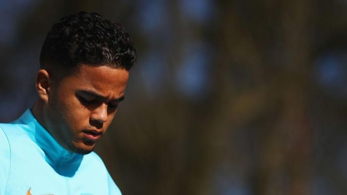 Pemain AS Roma, Justin Kluivert. (Foto: Dean Mouhtaropoulos/Getty Images)