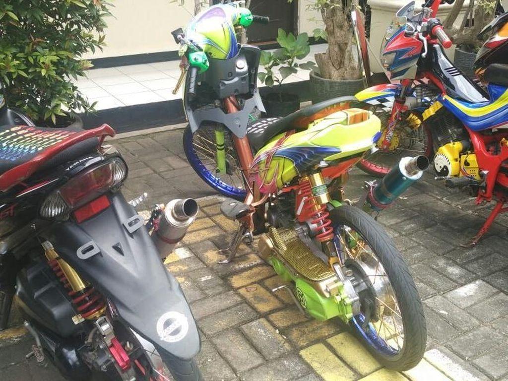 Penjual Motor Bodong via Facebook Ditangkap di Kembangan Jakbar