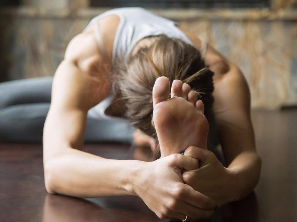 5 Manfaat Berlatih Yoga