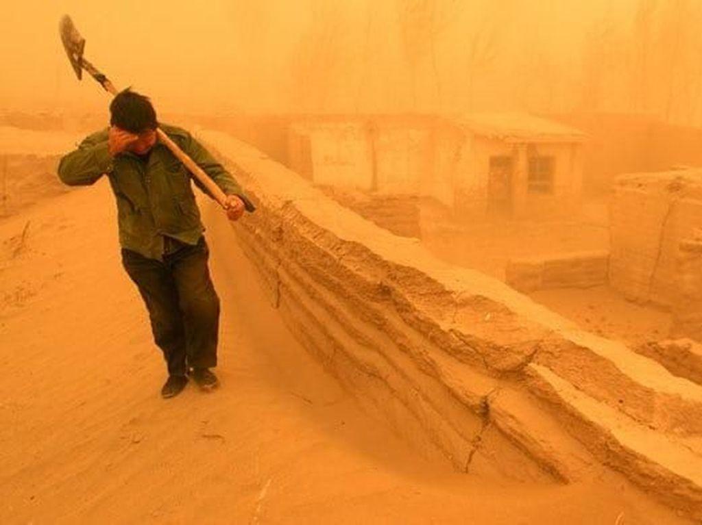Foto: Kuasa Illahi, Badai Pasir Mengubur Kota
