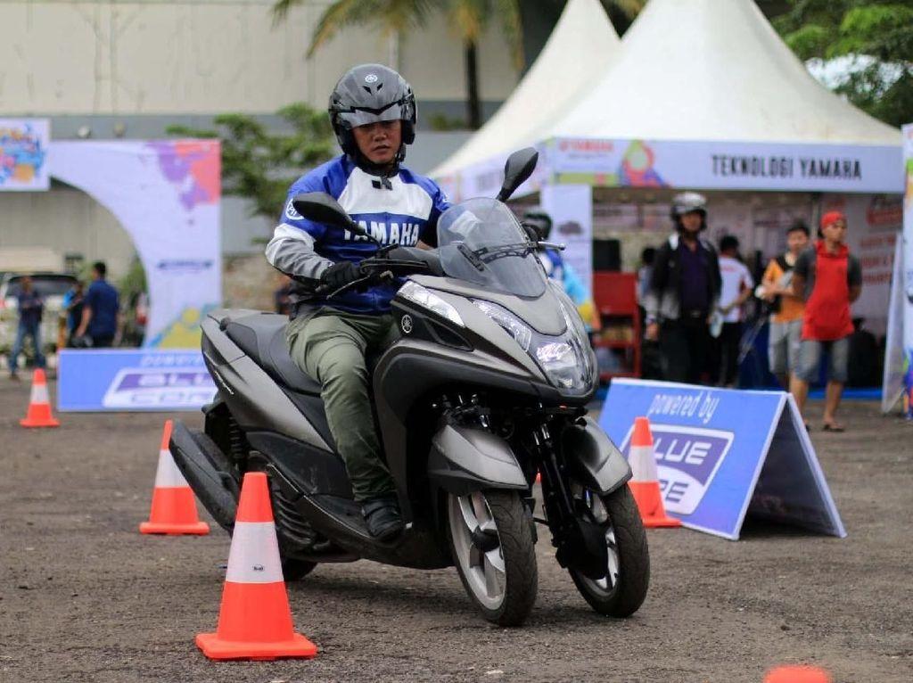 Blue Core Yamaha Motor Show Sedot Warga Cibinong