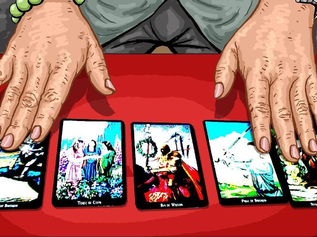 Adakah Sesuatu di Balik Kartu Tarot Peramal