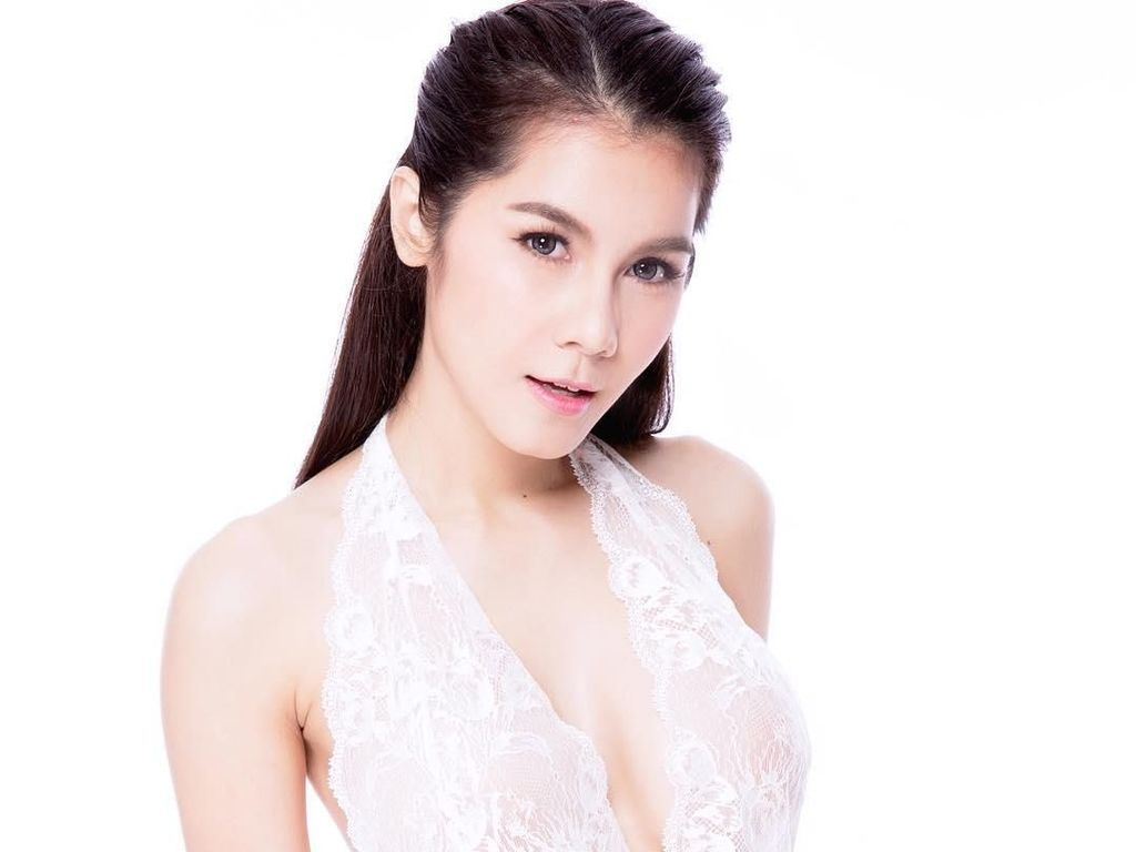 Ini Nong Nat, Bintang Porno Cantik yang Ceraikan Miliuner Tua