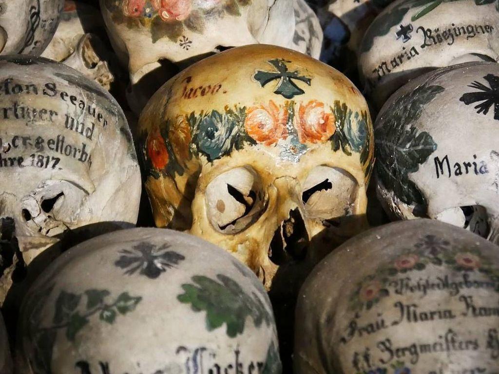 Tradisi Lukis Tengkorak yang Hampir Punah di Eropa