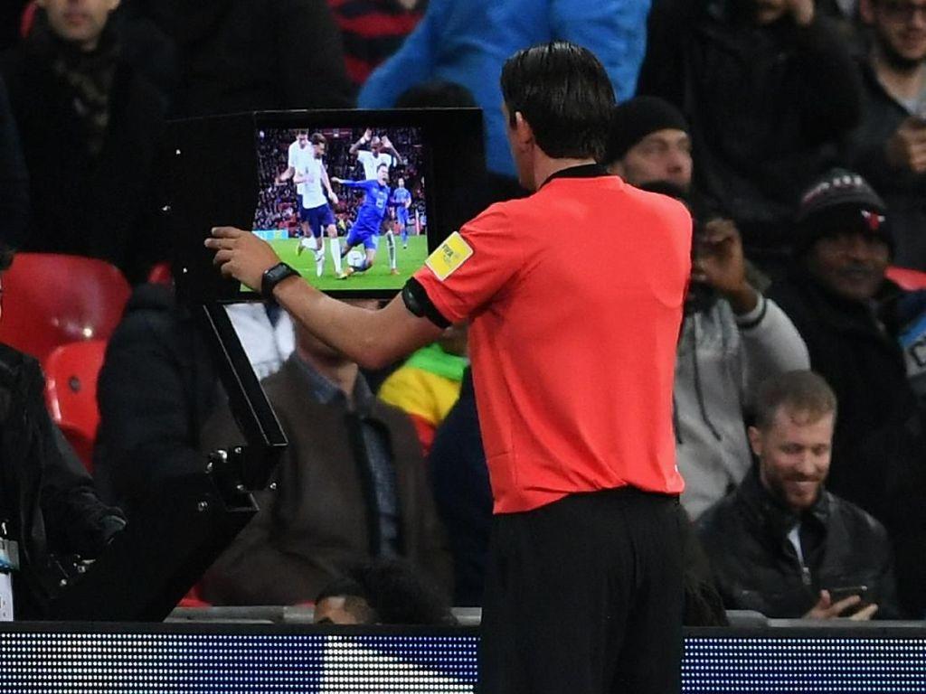 Kontroversi VAR Warnai Inggris vs Italia, Southgate: Untung Belum Piala Dunia