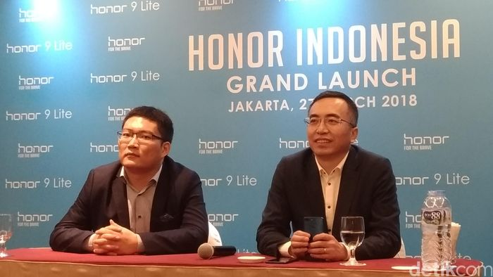 George Zhao, Presiden Honor (kanan). Foto: Moch Prima Fauzi/detikcom