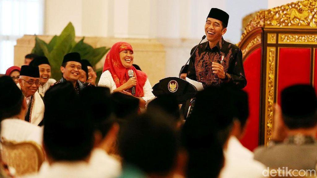 Jokowi Silaturahmi dengan Nasabah Bank Wakaf Mikro