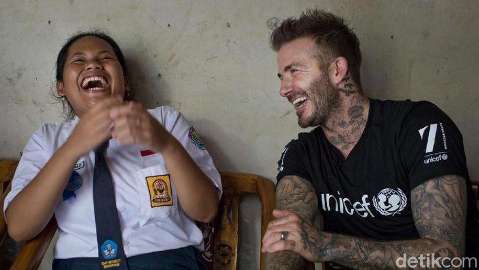 David Beckham akrab bersama Sripun di Semarang. (Foto: Dok Unicef)