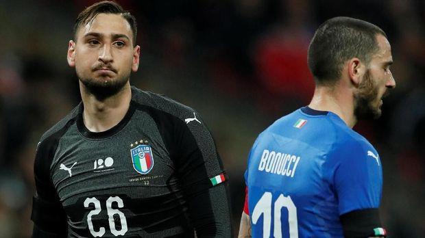 Gianluigi Donnarumma menjalani latihan dengan metode berbeda di timnas Italia di bawah arahan Roberto Mancini.