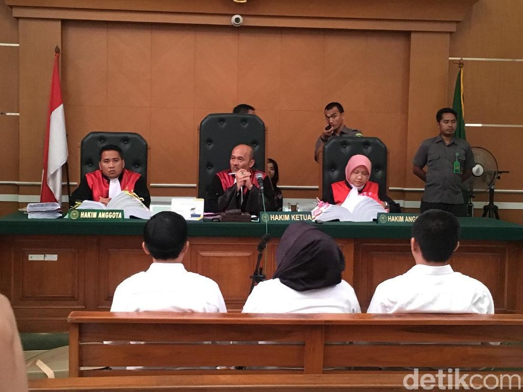 Jaksa Tanya Bos First Travel: Rp 14,3 Juta Cukup untuk Umrah?
