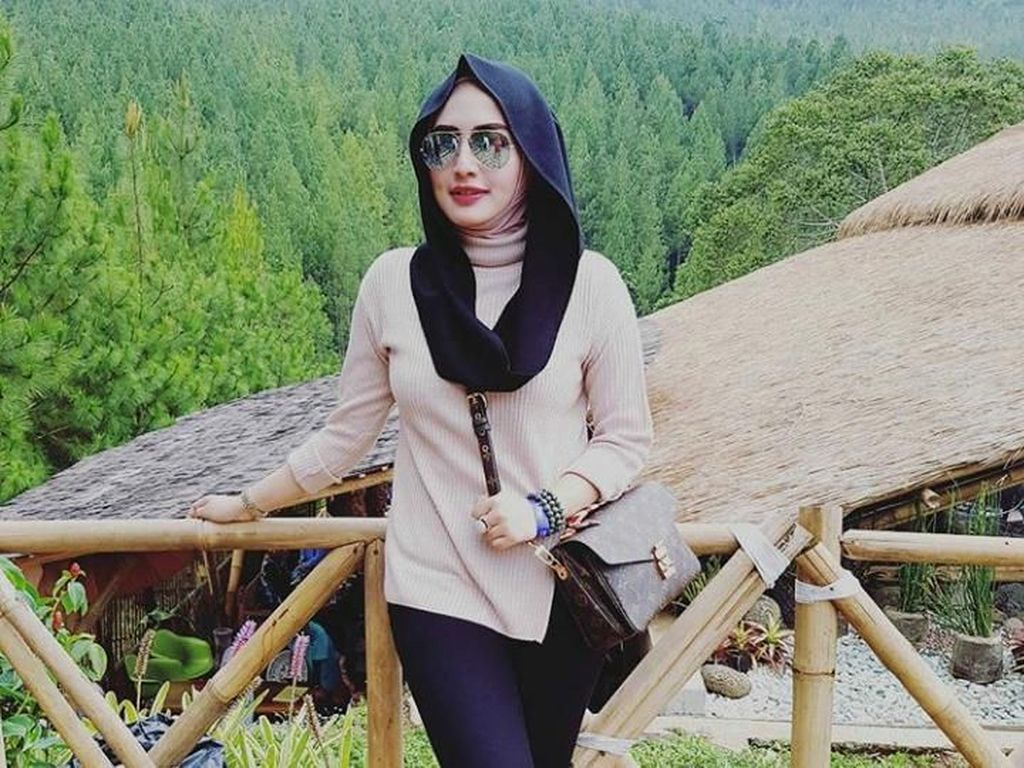 Konflik Yulia Mochamad dan Anak Opick yang Makin Panas