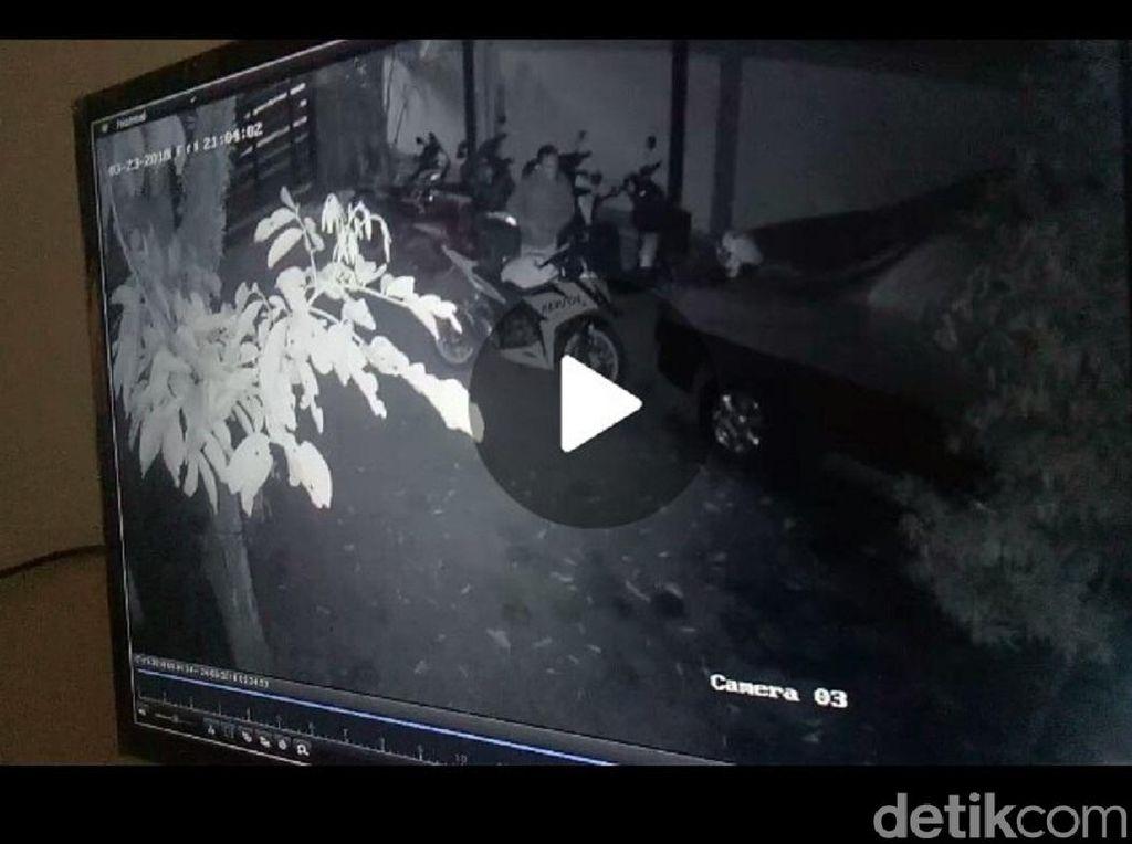 Aksi Pencuri Motor Sport Terekam CCTV di Kudus
