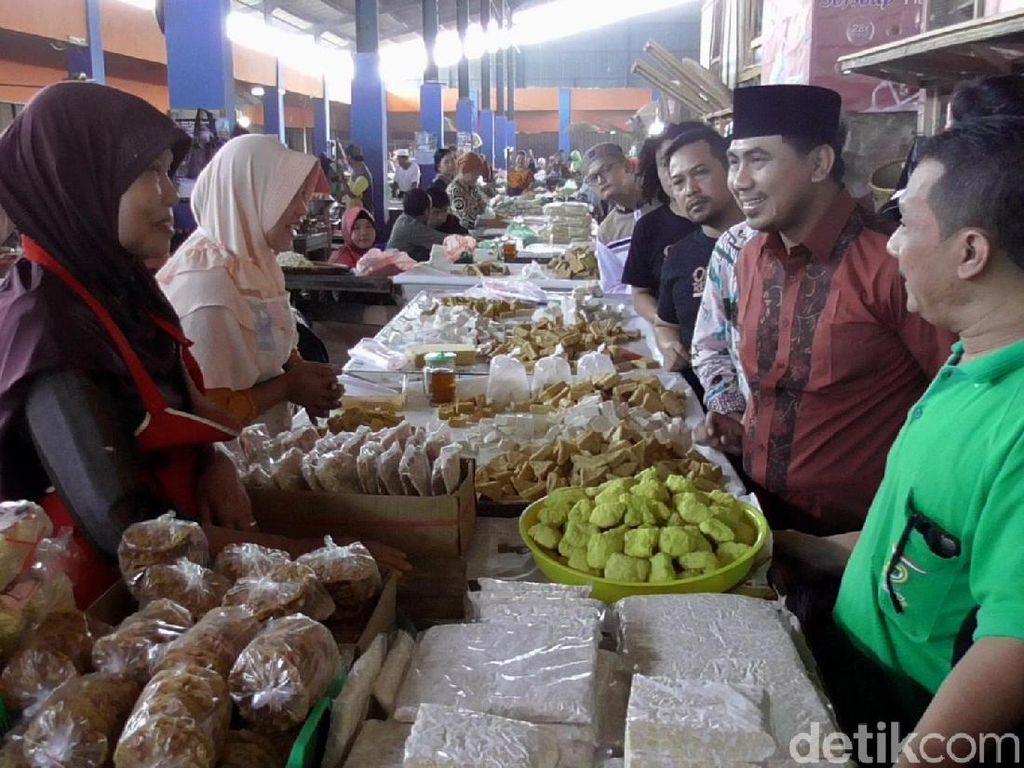 Sambangi Pasar Kajen Pekalongan, Gus Yasin Soroti Gunungan Sampah