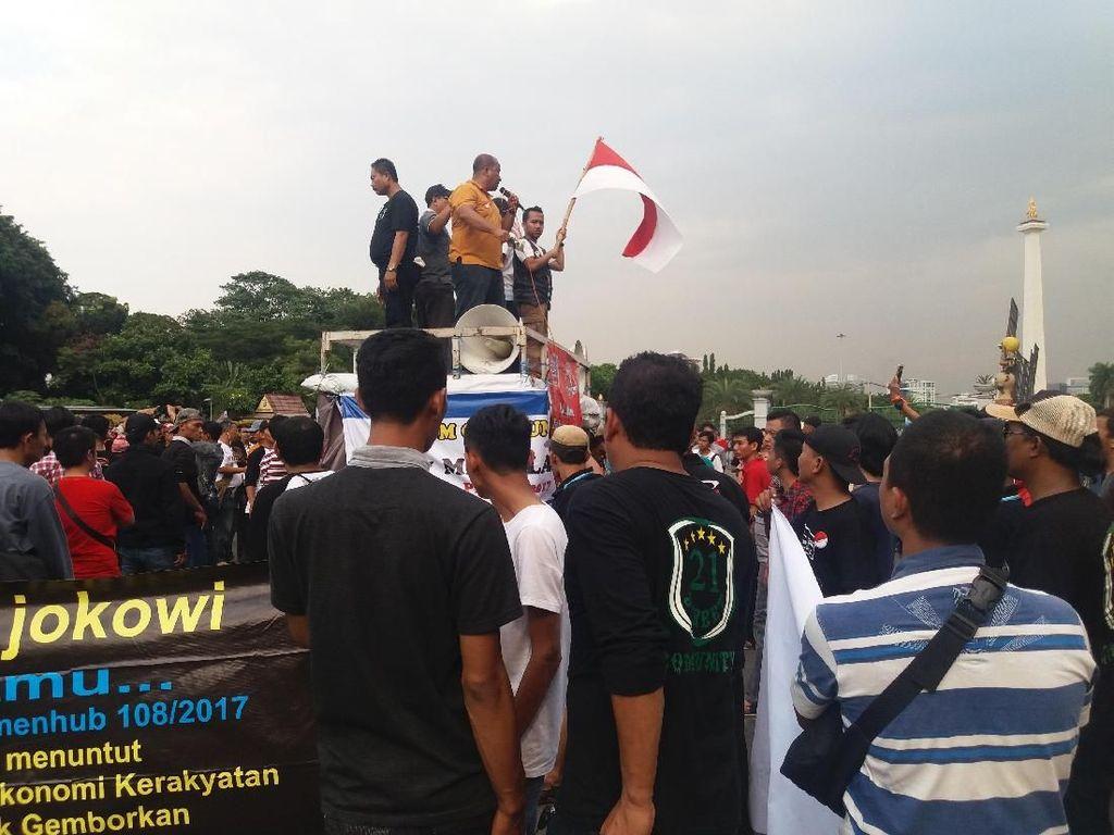 Massa Aliando Klaim akan Diterima Jokowi di Istana Sore Ini