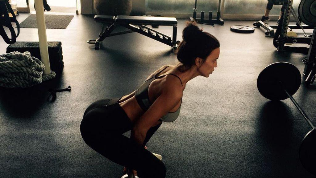 Foto: Ini Rahasia Tubuh Bugar Model Irina Shayk