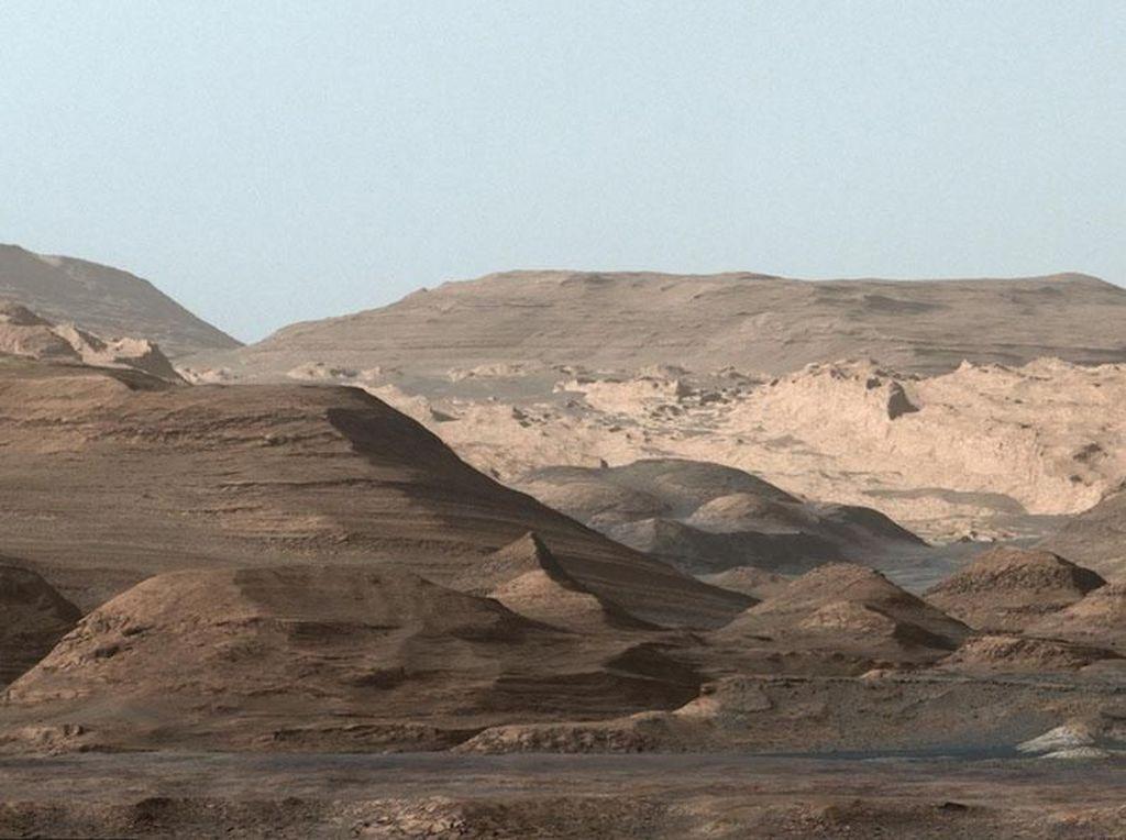 Pakar Antariksa Tak Yakin AS Bisa Kirim Manusia ke Mars Tahun 2030