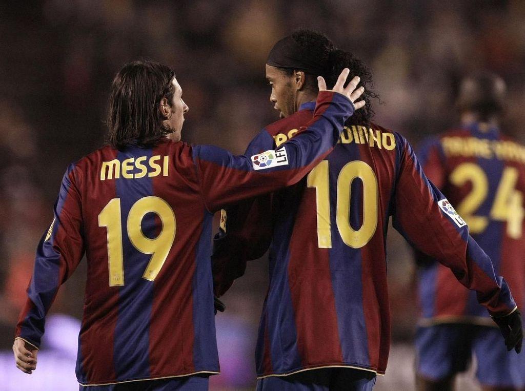 Sentuhan Tuhan Buat Ronaldinho di Atas Messi