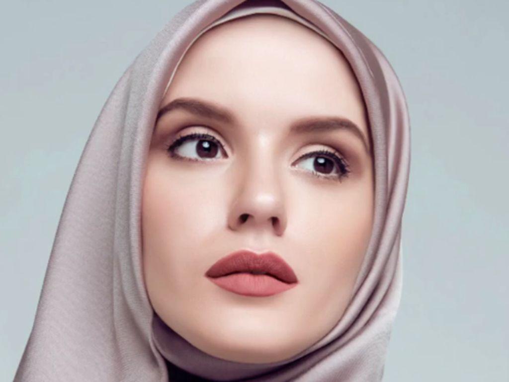 Tips Pakai Makeup agar Hasil Natural dan Tidak Medok