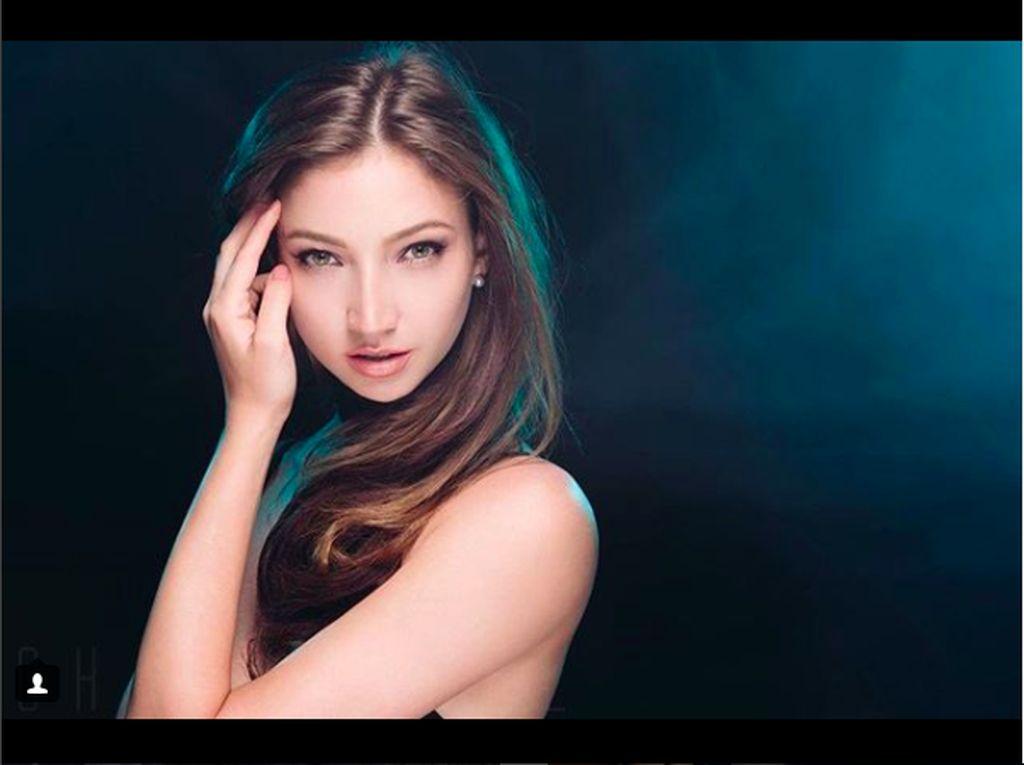 Cantiknya Elena, Pemeran Hantu Ivana di Danur 2