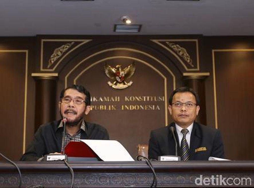 Awal April, Arief Hidayat Bukan Ketua MK Lagi