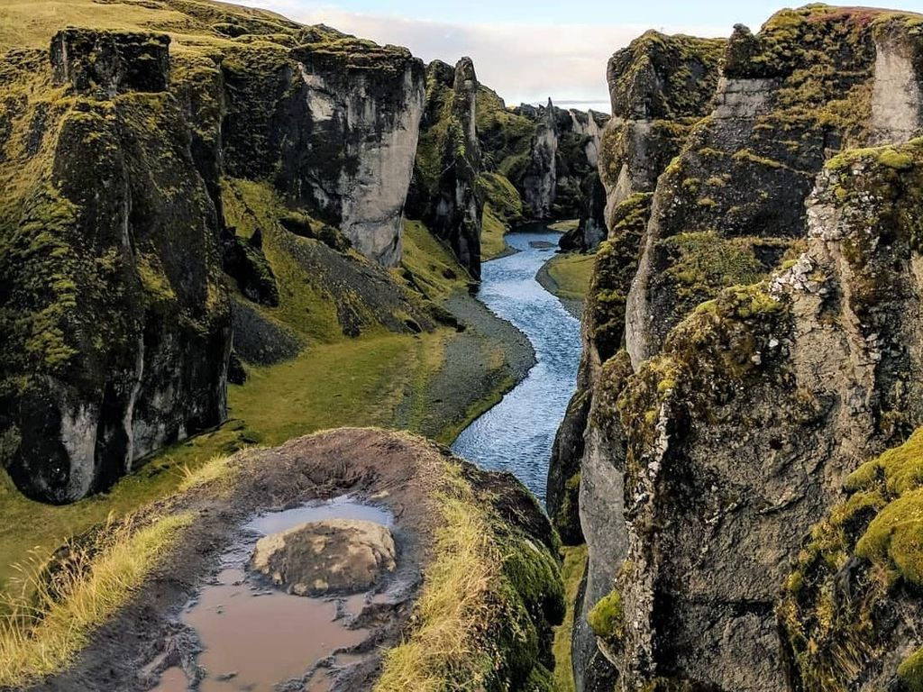 Bukan Lukisan, Ini Lembah yang Ada di Dunia Nyata
