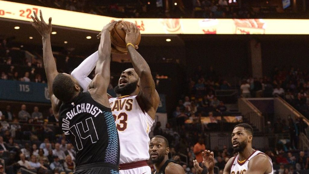 LeBron Samai Rekor Michael Jordan, Menangkan Cavs atas Hornets