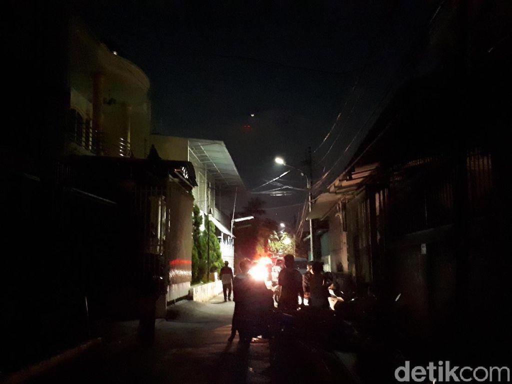 Foto: Suasana Gelap Gulita di Lokasi Kebakaran Taman Kota