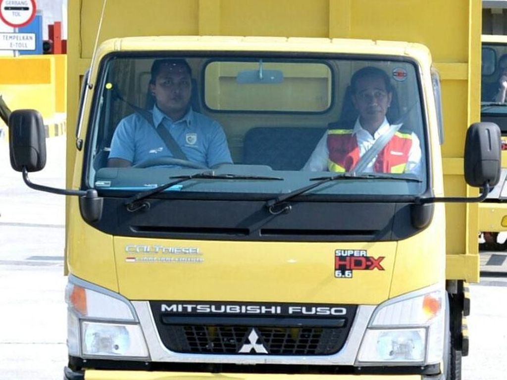 Jajal Tol Ngawi-Kertosono, Jokowi Numpang Si Kepala Kuning