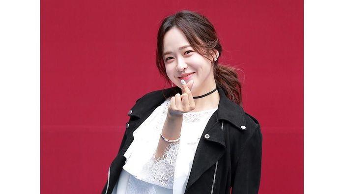 Yoo So-Young. Aktris cantik asal Korea Selatan ini disebut menjalin hubungan dengan pemain berbahaya Tottenham Hotspur, Son Heung-min. (Foto: Instagram @ssossolovely)