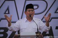 Prabowo menyapa warga Jawa Barat.