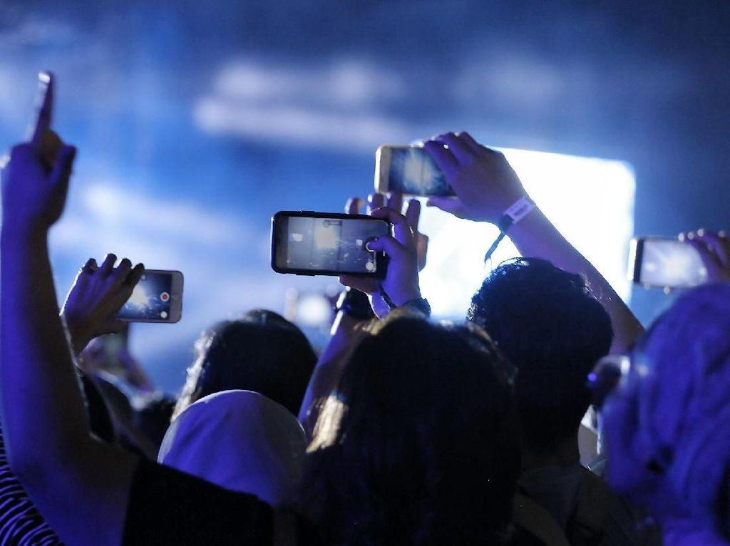 Ironi Konser-Jalan Santai Pilkada Tetap Diizinkan Saat Pandemi