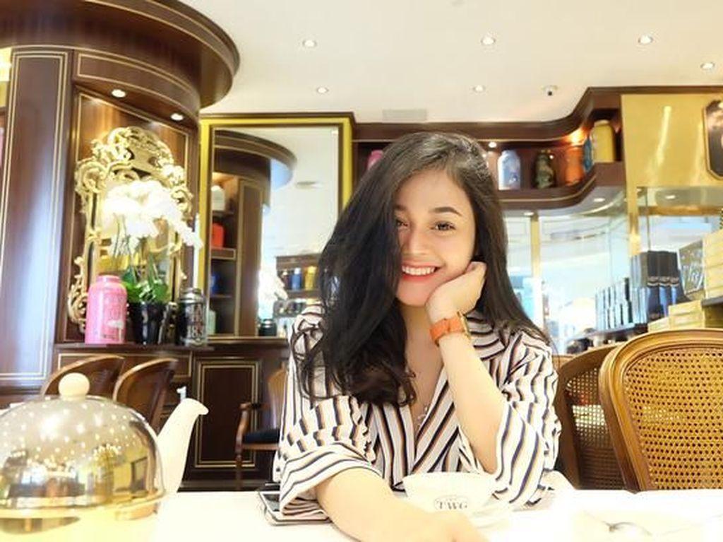 Makin Cantik! Ini Putri Master Limbad, Cecillia Gina Saat Makan French Toast dan Permen