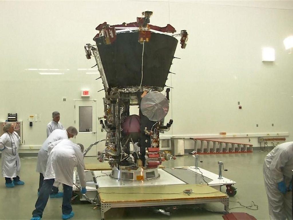 Ilmuwan NASA Siapkan Pesawat Luar Angkasa ke Matahari
