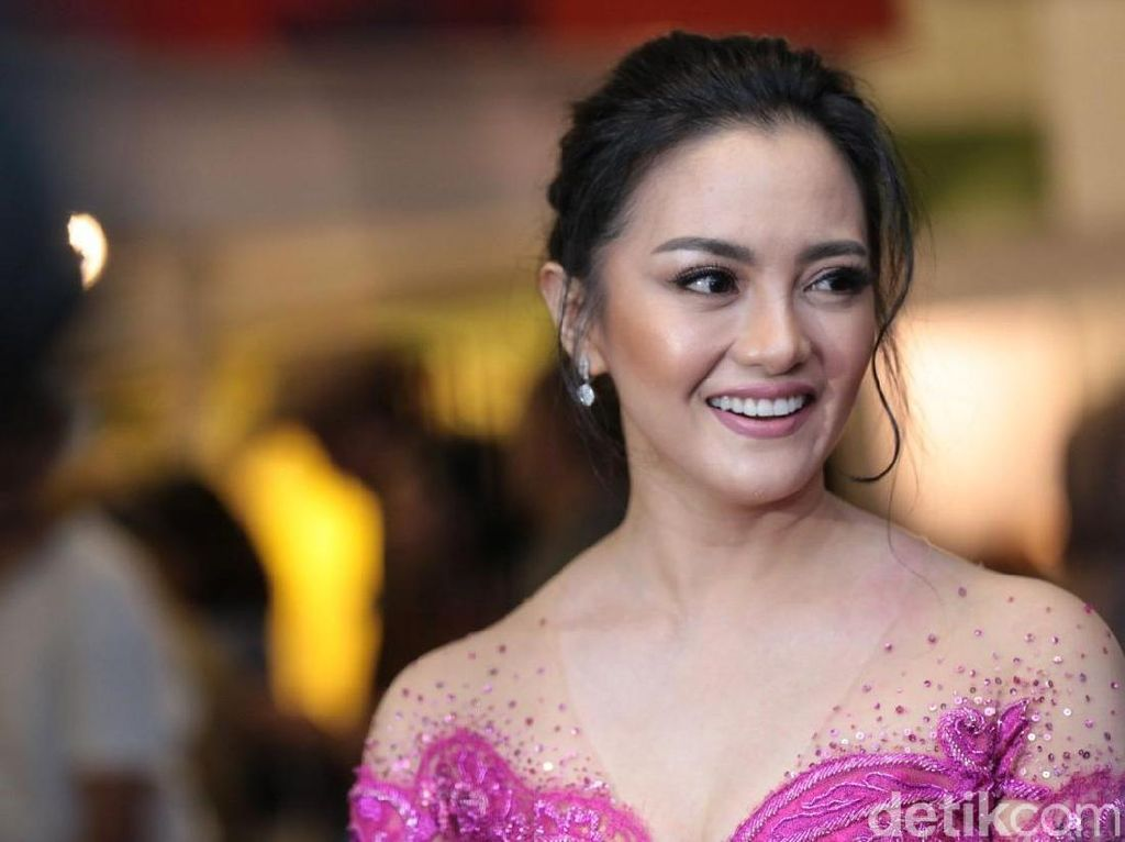 Ririn Ekawati Bantah Pakai Happy Five