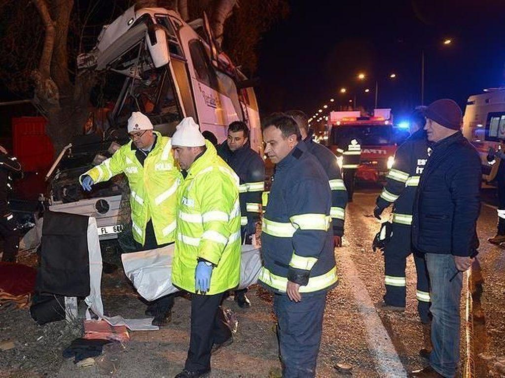 Bus Angkut Imigran Ilegal Kecelakaan di Turki, 17 Orang Tewas