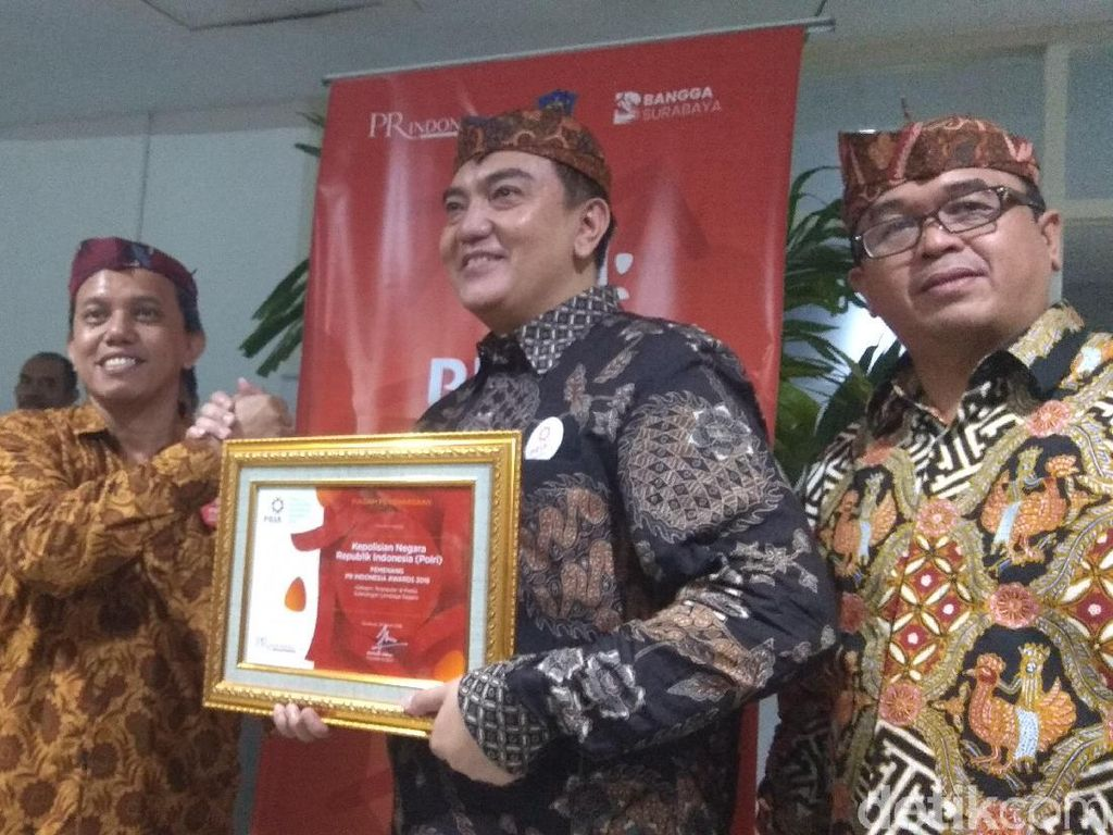 Polri Sabet Penghargaan Sebagai Lembaga Negara Terpopuler