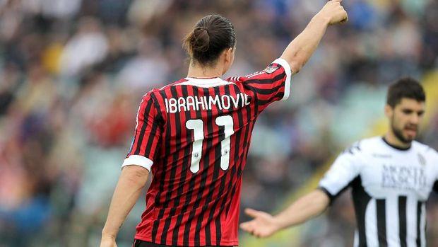Zlatan Ibrahimovic memilih AC Milan ketimbang Manchester City