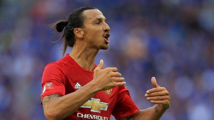Zlatan Ibrahimovic saat masih berseragam Manchester United (Foto: Ben Hoskins/Getty Images)