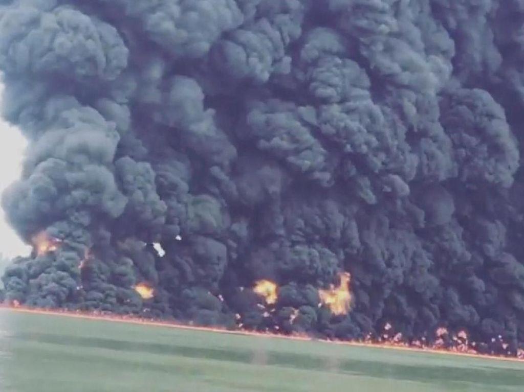 Kebakaran di Perairan Balikpapan, Begini Penampakan Asap Tebalnya