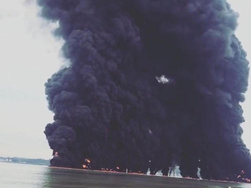 Kapal Batu Bara Ikut Terbakar di Perairan Balikpapan